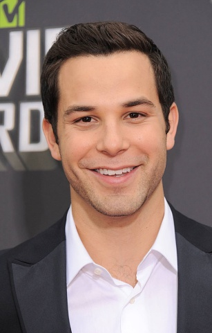 Skylar Astin--possibly the best part of Pitch Perfect (besides Fat Amy. And vomit. And the burrito. And...okay, one of MANY awesome things in the movie.)