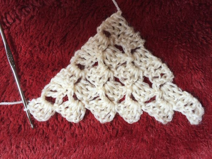 Learn corner to corner crochet, one of our favorite trends! This Craftsy photo tutorial teaches you the technique for both squares and rectangles.
