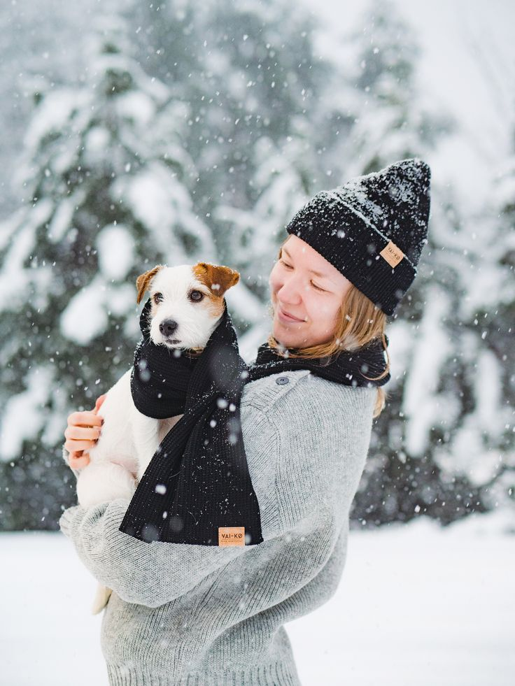 Enjoying the Winter Wonderland in Finland. Winter Outfit with a Doggie Friend. Shop Organic Merino Wool Beanie and Scarf from VAI-KØ here! Christmas gift idea for Women.