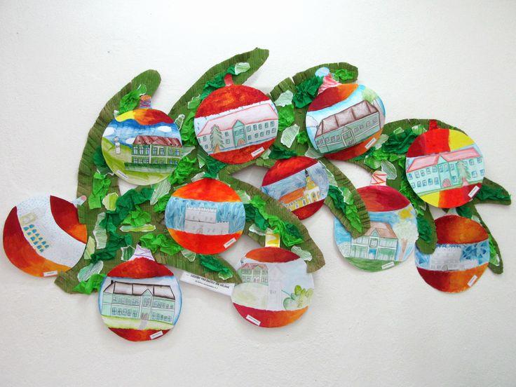 Vánoční ozdoby (pastózní malba temperou) s motivem města (kresba pastelkou), větev - po krajích nastřihaný karton, malba pastelem, natrhané krepové papíry a pastelkou pokreslené papíry kolage výtvarná výchova elementary art vánoce