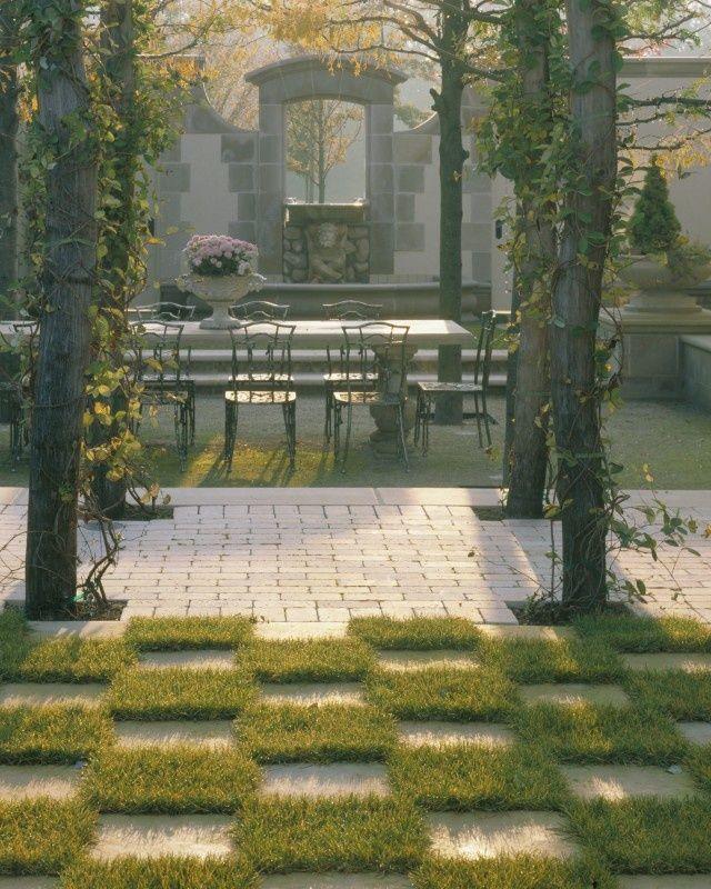 ✔notice grass in checker board design