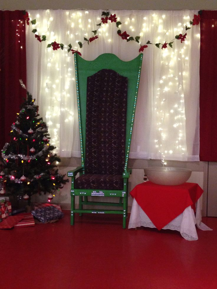 Backdrop for Santa pictures                                                                                                                                                                                 More