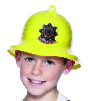 Gele brandweer helm voor kinderen. Materiaal brandweerhelm: plastic. Maak uw brandweerpak compleet met brandweer accessoires en deze brandweer helm voor kinderen. Maat: ongeveer 55 cm.