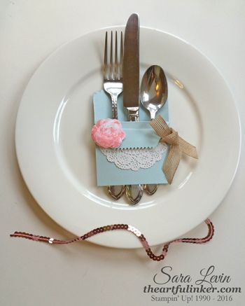 Picture Perfect Shabby Chic table decor - from theartfulinker.com