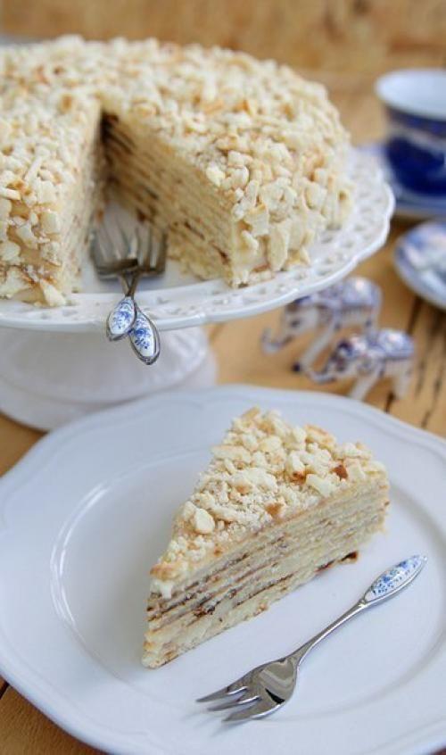 Торт для тех, у кого нет духовки. Прямо скажем, отличный торт на вкус. Втроем мы его съели за 1, 5 суток состав без изысков, но результат вполне достойный. В детстве я очень любила этот торт, но вспом...