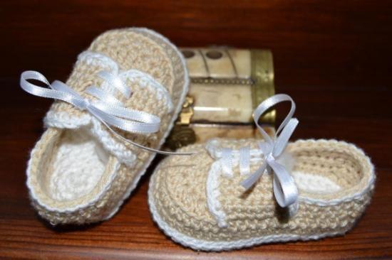 zapatitos mod. little man  algodón sintético.,lazo raso crochet,ganchillo