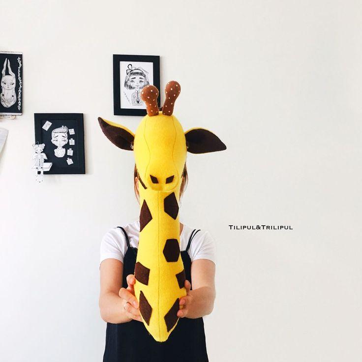 Это просто чудо какое то , радуюсь как ребёнок 😅 как круто он смотрится , особенно когда будет серый цвет стен ☺️💛 головы животных покорили меня , бедная комната моего ребёнка 😂😂😂 следующим будет единорог 🦄 😅 #детскаякомната #жираф #трофей #головаживотного #головаживотногонастену #интерьер #интерьердетской #малыш #сынок #interiordesign #handmade #ручнаяработа #своимируками #дочки #девочки #дети #детки