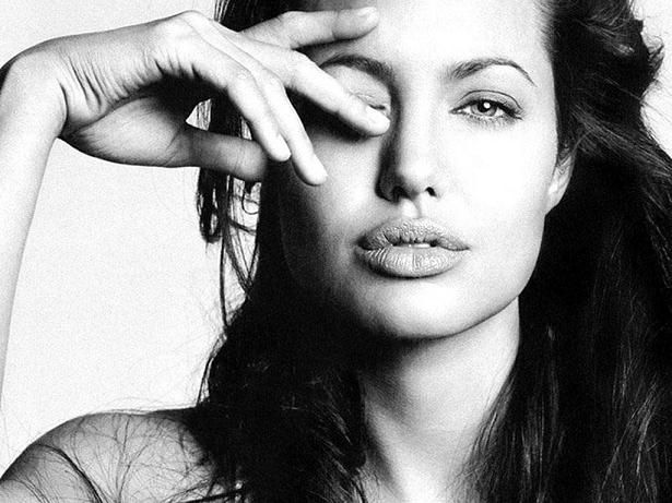 Black and White Old Movies | Angelina Jolie black-and-white classic photograph | Movie Stars ...