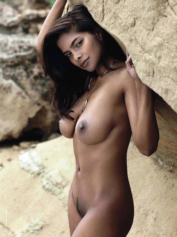 Nude photos without clothes of sunny leone