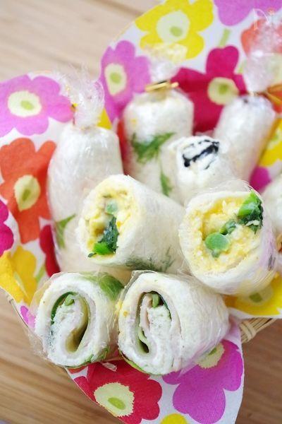お花見やピクニック、運動会など行楽にうれしいロールサンド。みんな大好き卵サンドにちょこっとプラスで断然おいしくできました。