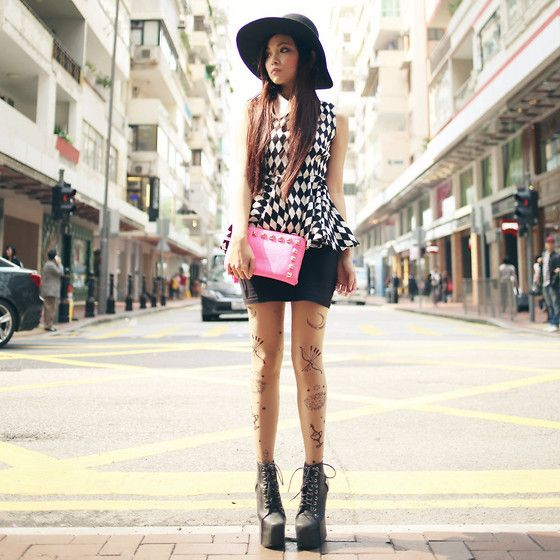 No7.Com.Hk Black & White Diamond Print Top, No7.Com.Hk Pink Studded Clutch, Monki Black Hat, Jeffrey Campbell Holy Stud Platform, H Jersey Basic, Harajuku Tatoo Legging
