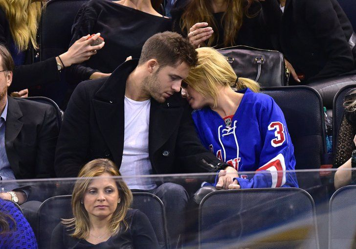 Pin for Later: Love Is in the Air: Cute Celebrities Kissing and Hugging Margot Robbie and Tom Ackerley