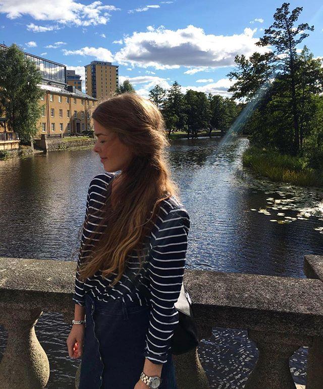 Ein sonniger Tag in Örebro ☀ - Danke für den Schnappschuss @ams788 #urlaub #vakation #urlaub2016 #holiday #holidays #örebro #schweden #sweden #sverige #schwedisch #schwedischersommer #schwedenliebe #dailyinsta #sunny #sunshine #blondehair #longhair #longhairdontcare #nofilter #selectedfemme #fossil #marcbymarcjacobs #outfit #outfitinspiration #dailyoutfit #whatiwear #whatiweartoday #soschön #Sonne #sonnenschein