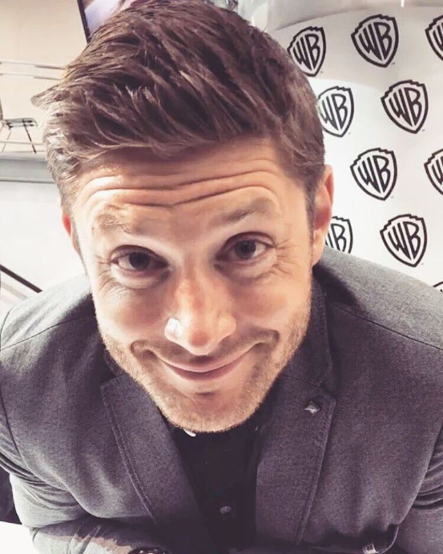 New: Cute Jensen at Supernatural booth, SDCC 2016 (San Diego Comic Con ), today…