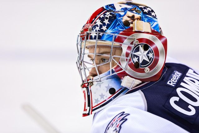 THIS IS AWESOME!! Captain America Goalie Mask Comrie -