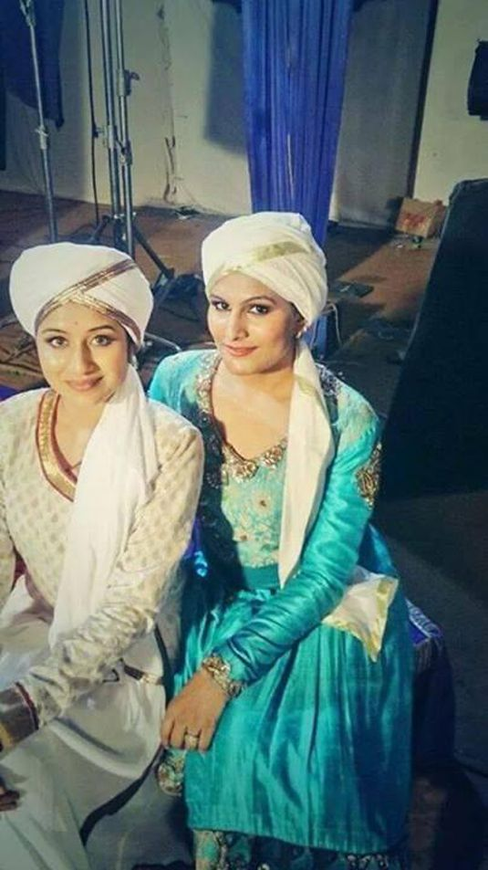 Jodha Akbar : Rajat Tokas And Paridhi Sharma's Off Screen ...