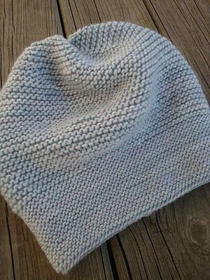 wow, great looking hat done in garter stitch.