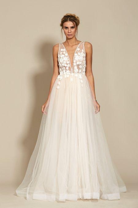 Lorelai Dress Bridal 2018 Oana Nutu Fashion Designer Wedding Dress Wedding Gown www.OanaNutu.com  #fashion #style #shopping #oananutu #Bridal #BridalDress #WeddingDress #Bride #FashionDesigner #Wedding