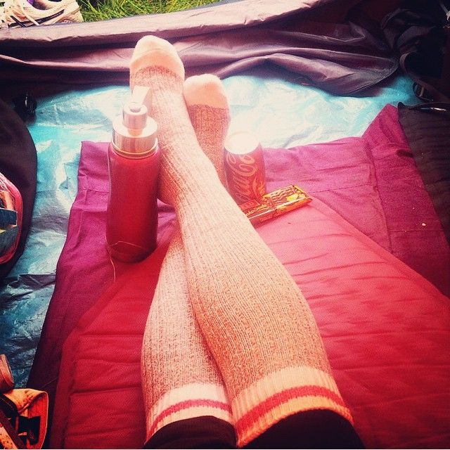 More Orangefish spotted in Peru! After a long day of hiking, Janet takes a much deserved breather in her tent with her cozy Pook socks. #worldtraveller #iloveorangefish #travel #peru #adventure