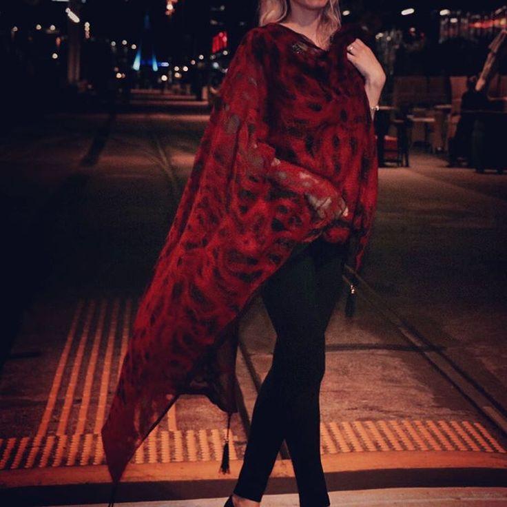 #fashion #style #valeins #handmade #silk #silkscarf #scarf #nunofelt #felt #streetstyle #streetfashion #aucklandfashion #merino #merinowool #newzealandwool #nzfashion #black #red #redandblack #OOTD #tassel #insta_art #موضة #ستايل #فالينز #صناعة_يدوية #حرير #سكارف_حرير