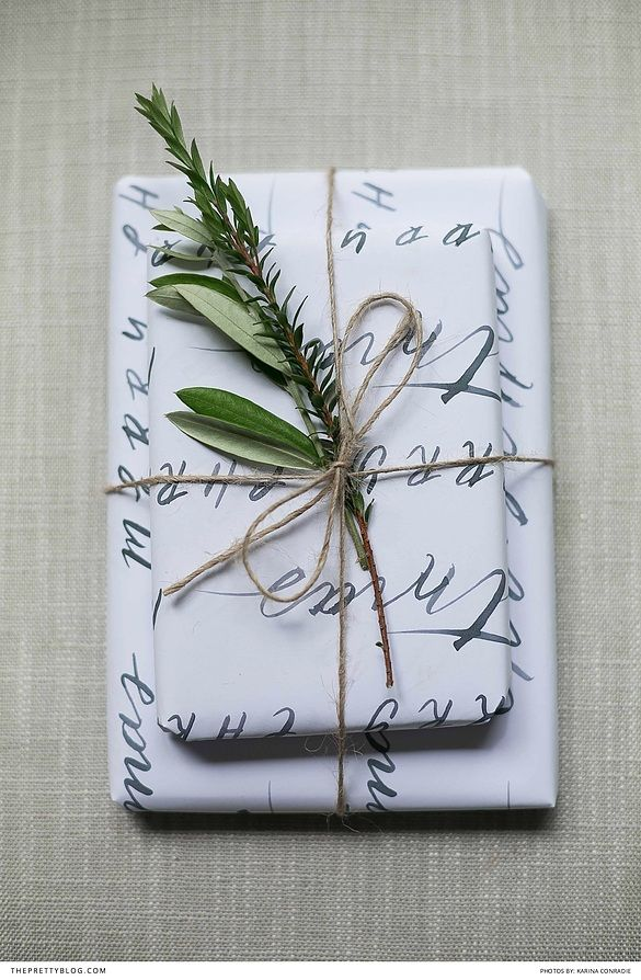 FREE Printable DIY Wrapping paper - The perfect additon to Christmas and Thanksgiving