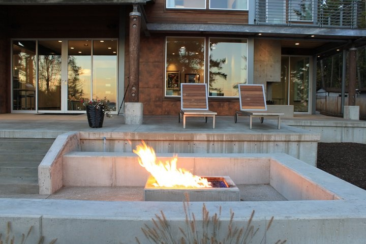 Contemporary fire pits