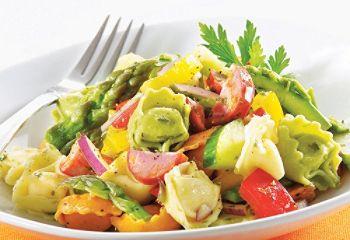 Salade de tortellinis au chorizo et au pesto