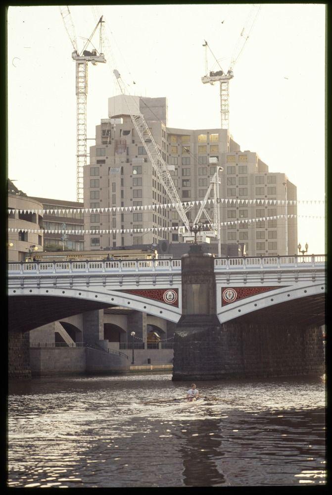 Princes Bridge on Yarra River, Melbourne 1987