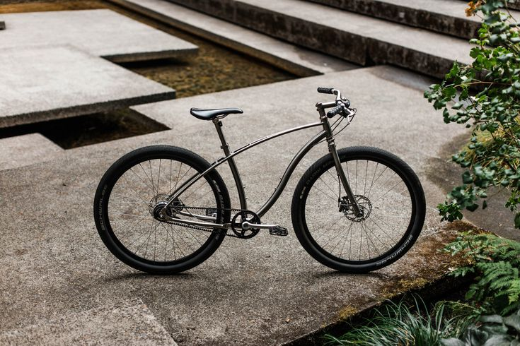 View Portland, Oregon through the lens of our newest ambassador, Wilder Matthias. Equipped with an 11-speed Shimano Alfine hub, our go-anywhere titanium Model No.3 is the perfect companion for a...