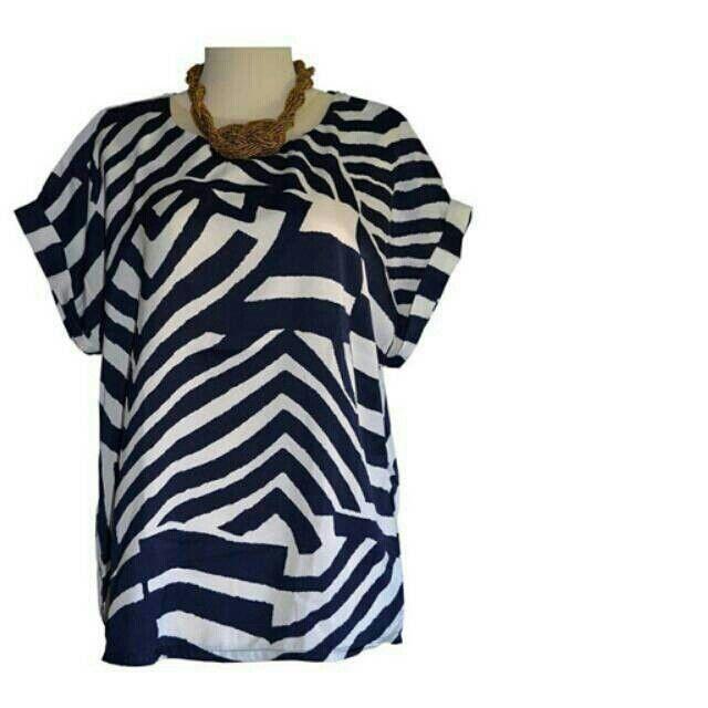 Saya menjual TOP LABIRIN BLUE seharga Rp129.000. Dapatkan produk ini hanya di Shopee! http://shopee.co.id/yaskey_house/1457678 #ShopeeID