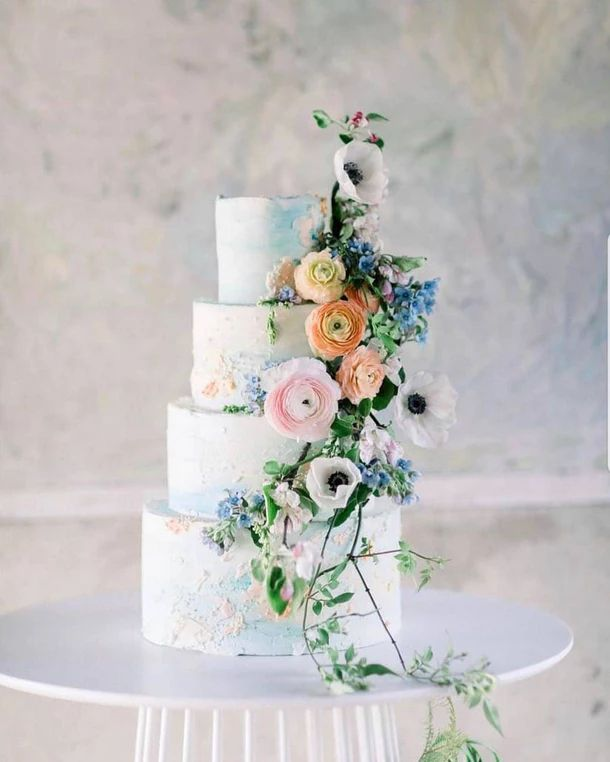 13 Wedding Cake Photos That Ll Make You Want To Get Married Tomorrow In 2020 Wedding Cake Photos Wedding Cake Prices Wedding Cake Table