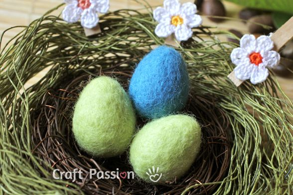 Easter Egg made from wool...learn how with this wet felting tutorial.