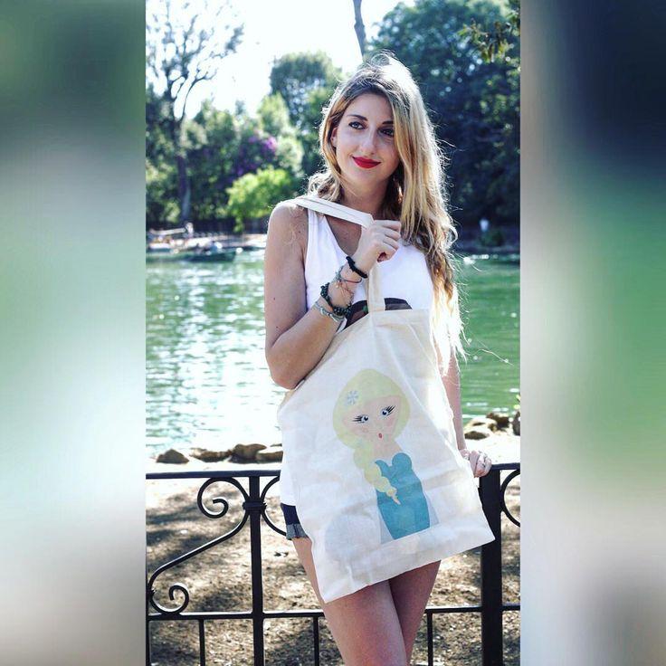 #bag #Model #shopperbag #shoppingonline #promoter #shooting #photo #photooftheday #shopping #gift #shoppingtime #elsa #frozen #illustration #disney #passion #gift #baby #bags #collection http://misstagram.com/ipost/1553039547310783151/?code=BWNgT1rl7qv
