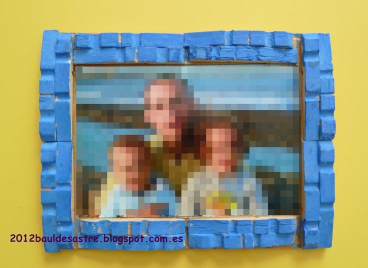 Marco de fotos con pinzas de madera estiu pinterest - Marcos fotos madera ...