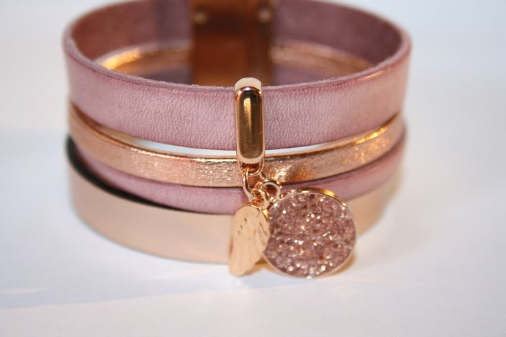 """Kit """"DIY"""" facile bracelet manchette en cuir rose clair, gold breloque aile et Swarovski crystal rock : Kits, tutoriels bijoux par fais-le-toi-meme"""
