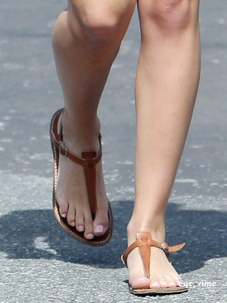 Hayden Panettiere Feet 379575 Jpg 750 215 1 000 Pixels