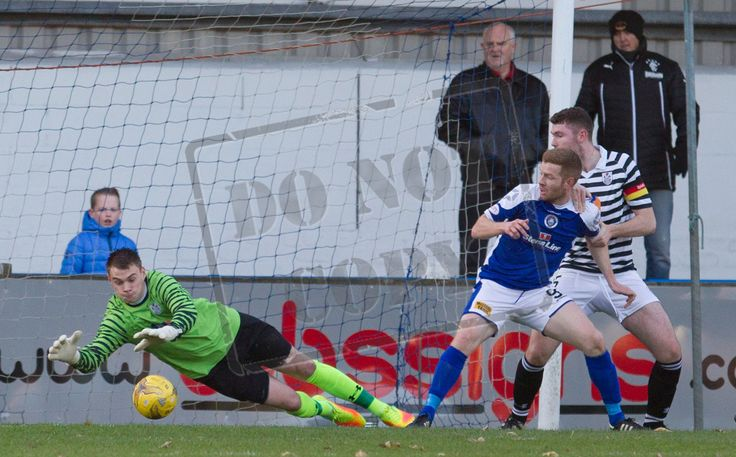 Queen's Park's Wullie Muir in action during the Ladbrokes League One game between Stranraer and Queen's Park.