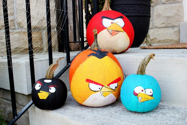 angry birds pumpkins - I want to do this next Halloween! Maybe some pigs too?