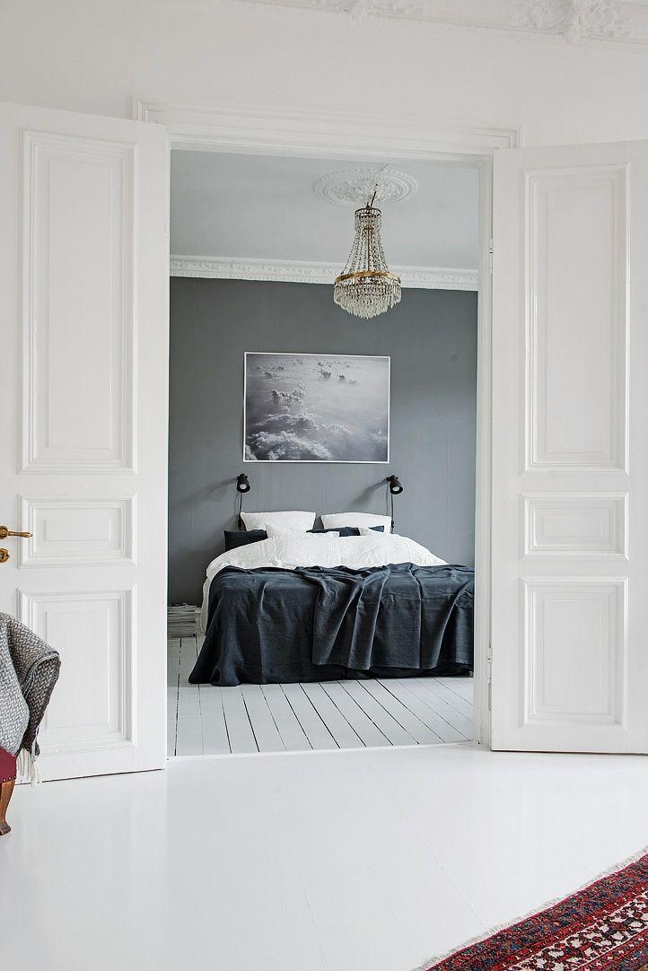 Pampiga pardörrar avskiljer fint mellan rummen