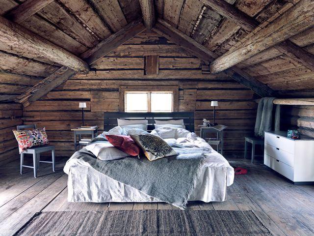 Une chambre esprit chalet comme à la montagne.
