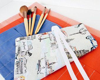 Makeup brush holder - Makeup brush roll - makeup brush organizer - makeup brush bag - makeup brush case - Europe brush case - Europe wallet