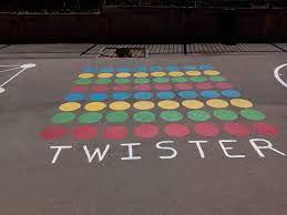 Resultado de imagen de patios de colegios pintados