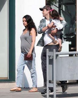 海外セレブニュース&ファッションスナップ: 【ミラ・クニス】第2子妊娠中のミラ、家族揃ってビバリーヒルズにお出かけ!
