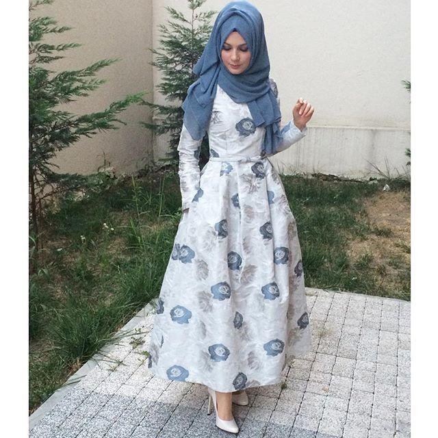 Dün aksam haberim olan dügüne jet hızıyla abiye diktik eşim sagolsun, bir hanima 1hafta önceden haber vermesi gerektigini unutmus #elifyakar #hijabfashion #chichijab #arabic #nofilter