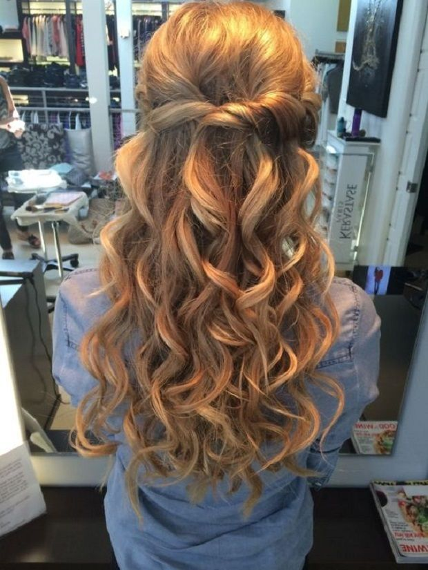 Beautiful And Simple Half Up And Half Down Hairstyle For Romantic Brides Wedding Hair Down Prom Hairstyles For Long Hair Hair Styles