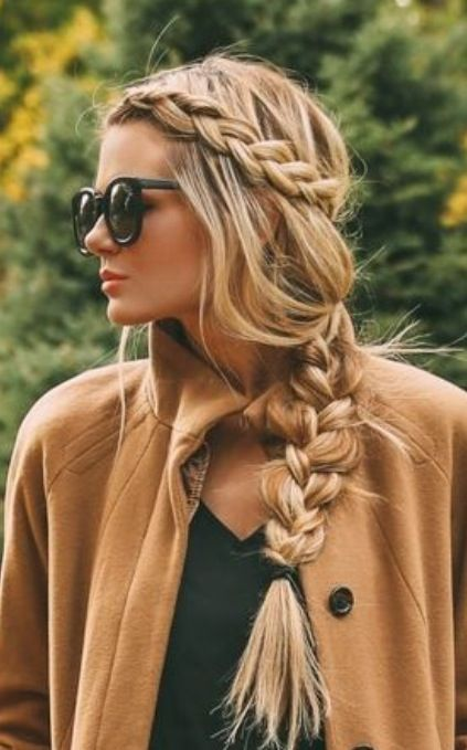 tresse chic coiffure cheveux long blond tresse chic. Black Bedroom Furniture Sets. Home Design Ideas