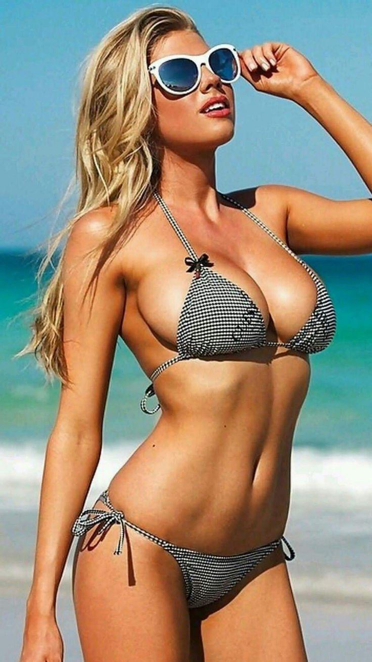 Sexy babe in bikini flashlights that can