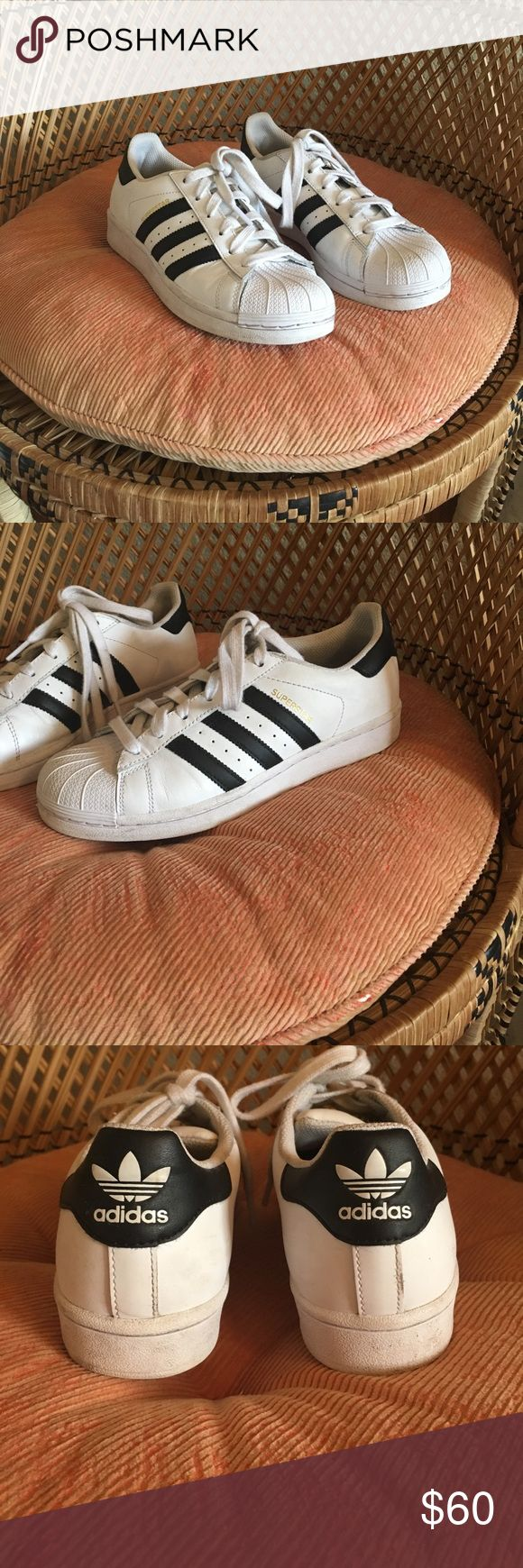 Adidas Classic Superstar Barely worn like new Adidas Superstar tennis shoes! I have super small feet so these are a child's size 5 which translates to a women's 7. I'm a 6.5 so these were a little too big, I'm sad to part with them 😔 adidas Shoes Sneakers