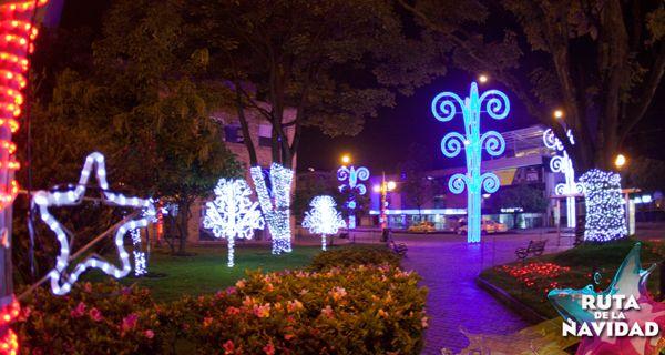 PLAZA BOLÍVAR - PARQUE DE LOS NOVIOS Y TIMIZA: SHOW DE AGUA Y LUZ - 6:00 P.M. A 10:00 P.M. Disfruta del espectacular Show de Agua y Luz que trae para ti la Ruta de la Navidad 2013. Las funciones tendrán una duración de 10 minutos por cada hora.