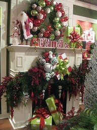 The site has all sorts of gorgeously decorated Christmas trees Christmas Decor